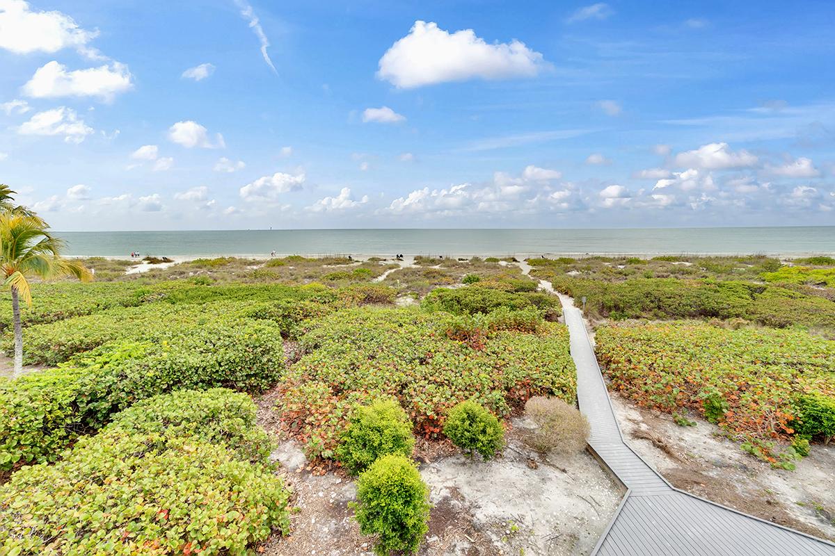 Golden-Beach-Condo-Boardwalk